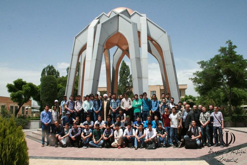 بدرقه دانشجویان به مشهد مقدس