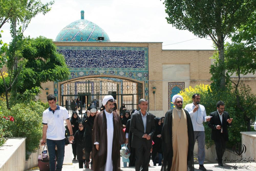 بدرقه دانشجویان خواهر اعزامی به مشهد مقدس